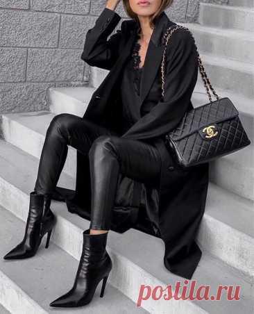 9 ошибок в деловом стиле, которые сделают тебя уродиной 9 ошибок в деловом стиле, которые сделают тебя уродиной Умение создавать идеальный деловой стиль одежды имеет большое значение. Рассмотрим 9 наиболее часто встречающихся ошибок, которые допускают дам...