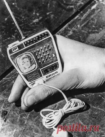 Home / Twitter. Часы компании Driva Geneve из Швейцарии, с телевизором, радио и калькулятором, 1976 год.