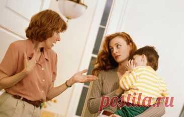 Как реагировать на непрошеные советы о воспитании ваших детей от родственников и посторонних людей На непрошенные советы нужно реагировать по ситуации: где-то промолчать, где-то ответить вежливо, а где-то – грубо. Непрошенный совет – это нарушение личных границ. А это недопустимо.