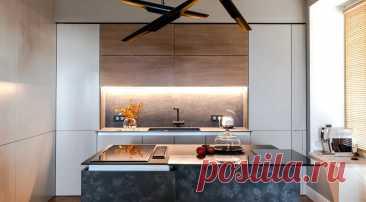 10 беспроигрышных приемов для оформления кухни в стиле минимализм Откажитесь от фурнитуры, встройте бытовую технику, сделайте навесные шкафы под потолок — перечисляем в статье актуальные приемы для оформления минималисткой кухни.