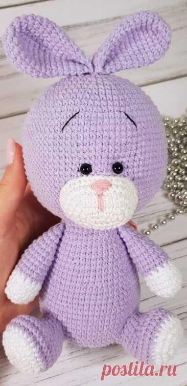 PDF Зайка крючком. FREE crochet pattern; Аmigurumi animal patterns. Амигуруми схемы и описания на русском. Вязаные игрушки и поделки своими руками #amimore - заяц, зайчик, кролик, зайчонок, зайка, крольчонок.