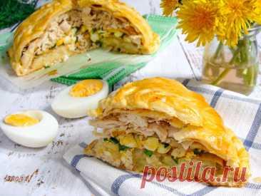 Курник с картошкой и курицей из слоеного теста в духовке рецепт с фото пошагово - 1000.menu
