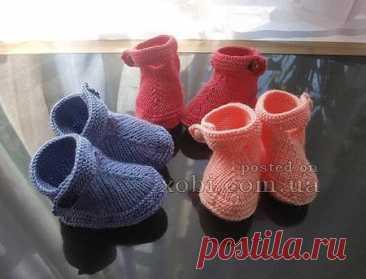 Ботиночки для куклы, которые связанны спицами