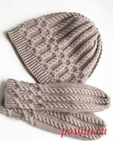 Комплект шапка и варежки из полушерсти
