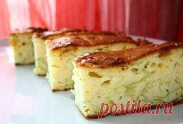 Пирог со свежей капустой.