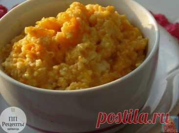 Самый полезный завтрак: 5 рецептов утренней каши, которые вы еще не пробовали   1.  Пшенная каша с тыквой - вкусный и питательный завтрак, который согреет вас зимним утром!   на 100 грамм -83 ккал  белки -3  жиры -1  углеводы - 16   Ингредиенты:  • 400 г тыквы • 1 стакан пшена • 3 стакана обезжиренного молока • соль  Приготовление:  Тыкву очистить от кожуры и семян, порезать мелкими кубиками, пшено промыть 3-4 раза. Залить тыкву молоком, посолить, довести до кипения. Всыпа...