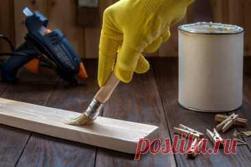Как сделать пропитку для древесины на основе эпоксидного клея Чтобы защитить древесину от воздействия влаги, поверхность обрабатывают пропиткой для дерева. Чаще всего ее покупают уже в готовом виде в магазине. Однако можно сделать аналогичный состав самостоятельно.    В сегодняшней статье поделимся с вами простым рецептом приготовления