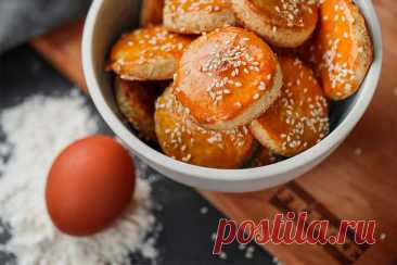 Песочное печенье с кунжутом: простой рецепт от Евгения Клопотенко Я покажу, как просто и быстро можно приготовить вкуснейшее песочное печенье с кунжутом своими руками.