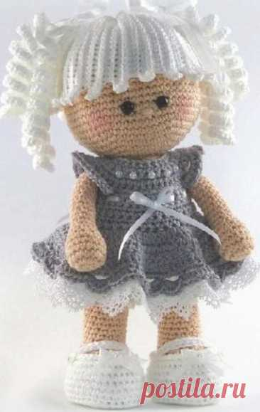 Милая кукла  #кукла_крючком@knit_toyss, #крючком_игрушка@knit_toyss  Пряжа YarnArt Jeans Крючок 2-2,5 мм  Источник: https://vk.com/wall-180151698_1681