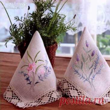 Нежные весенние цветы: узоры для салфеток