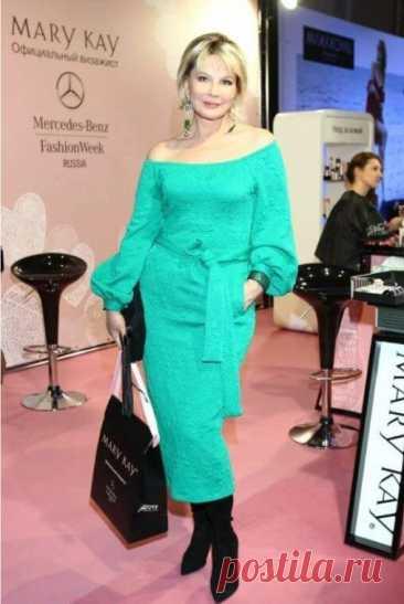 Как оставаться стильной штучкой почти в 70 лет: Татьяна Веденеева
