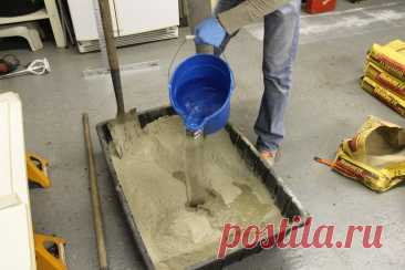 Без лопаты замешивать бетон гораздо легче! - мелочь, которая облегчает строительные работы | БЛОГ СТРОИТЕЛЯ | Яндекс Дзен