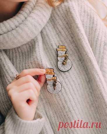 Вышиваю броши и думаю, как их интересно носить! Покажу классные идеи! Уверена, Вы вдохновитесь на вышивку такого аксессуара | Вышивка is Love | Яндекс Дзен