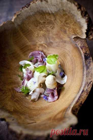 La Menuiserie - DYNASTY OF CHEFS Шеф-повар Томас Труппин, « Молодой шеф 2017 года» (Gault & Millau) работает над местной продукцией в современном стиле. Он предлагает