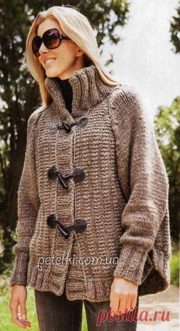 Красивый теплый кардиган спицами. Описание вязания, выкройка Потрясающий теплый кардиган спицами. Имеется рукав реглан, воротник стойкой и необычные застежки.  Размеры: 34-38 Вам потребуется: 750 г серо-коричневой (цв. 10) пряжи Lana Grossa ALTA MODA SUPER BABY (67% шерсти, 30% альпака, 3% полиамида, 60 м/50 г); прямые спицы № 8 и № 10;