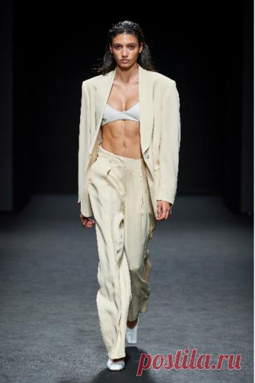 Какие брюки в моде весной 2021