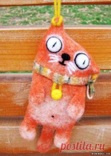 """Чехол для телефона """"Рыжий кот"""" своими руками Чехол для телефона """"Рыжий кот"""" своими рукамиНесмотря на то, что холода стремительно отступают наша мобильная связь нуждается в заботе.О том как украсить свой мобильный телефон и своими руками смастерить очаровательный чехол-игрушку в виде забавного рыжего кота расскажет мастер-класс..."""