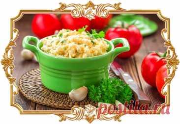 #Салат #с #сыром, #яйцами #и #чесноком (#рецепт #на #скорую #руку)  Простейшее, но очень выигрышное сочетание. Можно подать как салат или использовать как намазку на хлеб. Подойдёт и для будней, и для праздников.  Время приготовления: Показать полностью...