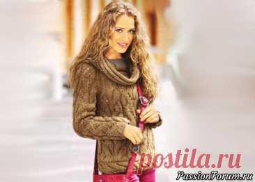 Ажурный пуловер с косами в терракотовых тонах