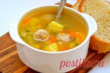 Лучшая подборка диетических супов для правильного питания Чтобы наш организм работал, как швейцарские часы, ему нужна порция теплого лёгкого супчика каждый день! Суп с фрикадельками В суп можно положить любую крупу, закладывайте ее тогда вместе с картофелем. Так же из моркови и лука можно сделать зажарку, тогда ваш суп будет более выразительный по вкусу и калорийнее. Ингредиенты: вода 2л мясной фарш 200г […] Читай дальше на сайте. Жми подробнее ➡