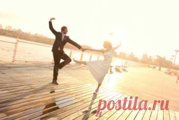 Танцы для похудения — ЗдоровьеИнфо Во время танцев мозг человека начинает вырабатывать эндорфины: за полчаса столько же, сколько от двух плиток шоколада. И все же не стоит возлагать на танцы слишком большие надежды.