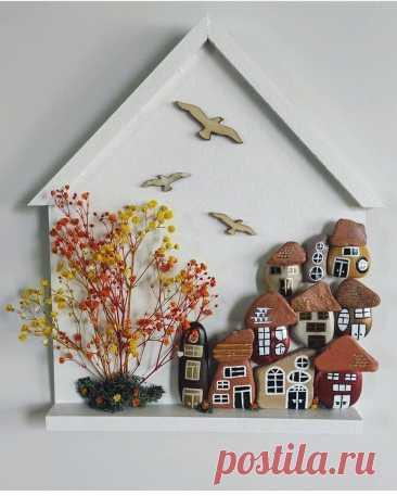 Мастер Esra Yılmaz творит из практически подручных материалов, таких как камни, разнообразная древесина, сухоцветы и осколки