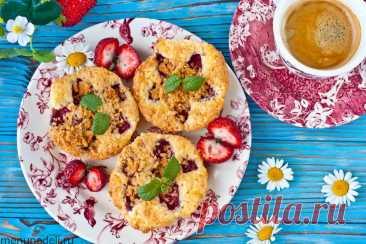 Рецепт мини-пирогов с клубникой | Меню недели