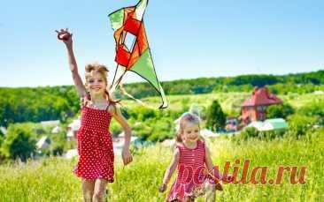 4 идеи, чему научить ребенка за лето - MAMABOOK — найкращий український сайт для батьків Если родители летом регулярно заставляют заниматься, то кажется, что каникул не было вовсе. А когда мама…