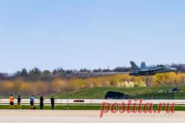 Фото F18D (16-4656) - FlightAware