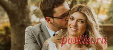 Жених и невеста пригласили на свадьбу незнакомцев — и вот, что из этого получилось. Пара переехала в другой город, и у родственников не было возможности приехать на торжество.