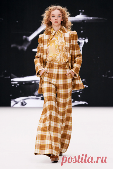 Zimmermann Fall 2021 Ready-to-Wear Fashion Show | Vogue