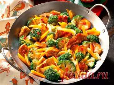Broccoli-Möhren-Pfanne Rezept  | LECKER Unser beliebtes Rezept für Broccoli-Möhren-Pfanne und mehr als 65.000 weitere kostenlose Rezepte auf LECKER.de.