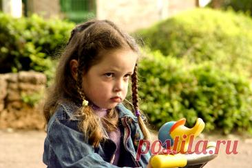 Почему ребенок обижается по пустякам | Мой Маленький Малыш | Яндекс Дзен