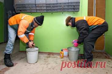 Кто оплатит уборку подъездов по новым правилам: жильцы или УК? — Российская газета