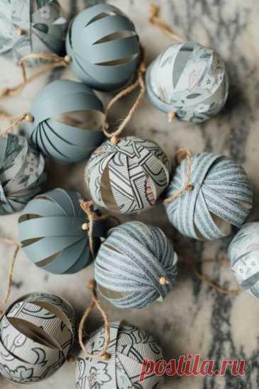 Ёлочные подвески в виде шаров из бумажных полос