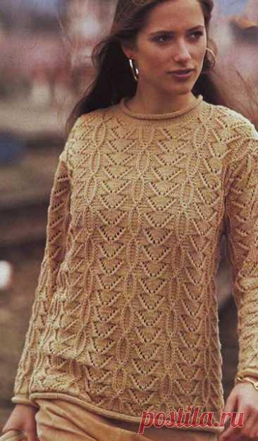 Резной узорчатый пуловер песочного цвета спицами – схема с описанием и видео — Пошивчик одежды