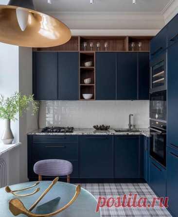 Вау, просто шикарная кухня! Цвет кухни выглядит по-царски роскошно!