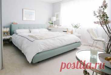 Не туда поставил: как ставить кровать в спальне, а как нежелательно Чувствовать себя комфортно и уютно в доме получится в том случае, если для этого созданы необходимые условия. В ремонте спальни важна каждая деталь: приятная цветовая гамма, подбор декора и расстановка мебели.
