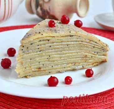Pancake cake with poppy