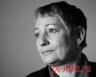 Людмила Улицкая: «Когда болезнь отступила, я поняла, какое счастье просто жить» С годами понимаешь, что человек конечен, а жизнь бесконечна, и мир бесконечен, и что наши вопросы.