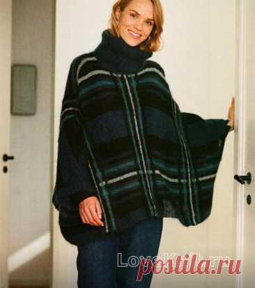 Теплое свитер-пончо с рисунком клетка и большим воротом схема спицами » Люблю Вязать