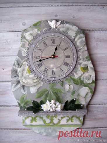 Часы классические Ангел хранитель – купить на Ярмарке Мастеров – NKLY0RU   Часы классические, Москва Часы классические Ангел хранитель. в интернет-магазине на Ярмарке Мастеров. Часы настенные , для тех кто предпочитает наполнить свою жизнь вещами необычными, загадочными и неординарными. В этом исполнении часы для романтиков и мечтателей... ведь их тема - цветы! Эти часики станут украшением вашей кухни, комнаты или загородного дома.