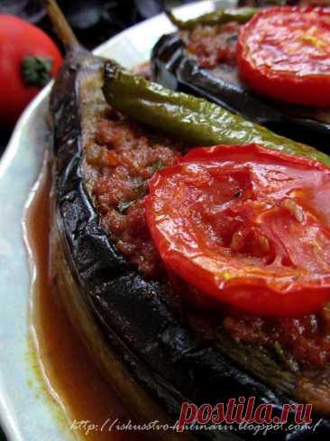 Concibiendo el arte de la cocina...: Karnyyaryk - las berenjenas rellenadas en turco (Karnıyarık)
