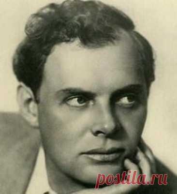 Сегодня 02 мая в 1988 году умер(ла) Павел Кадочников