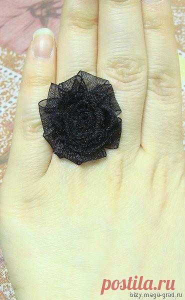 Хэнд-мейд черное кольцо (100 руб)