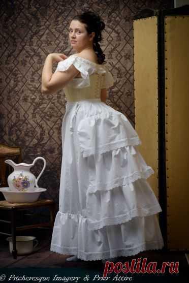 нижняя юбка с турнюром 1870-е годы