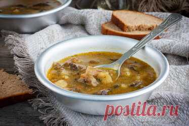 Грибной суп из замороженных грибов — 10 самых вкусных рецептов Содержание. Очень вкусный суп из замороженных грибов с вермишелью. Как сварить вкусный суп из замороженных белых грибов? Сытный суп из замороженных грибов с картошкой. Ароматный суп из замороженных лесных грибов. Пошаговый рецепт приготовления грибного супа с перловкой. Очень вкусный грибной суп-пюре из замороженных грибов. Как приготовить вкусный грибной суп в мультиварке? Простой пошаговый рецепт супа из замо...
