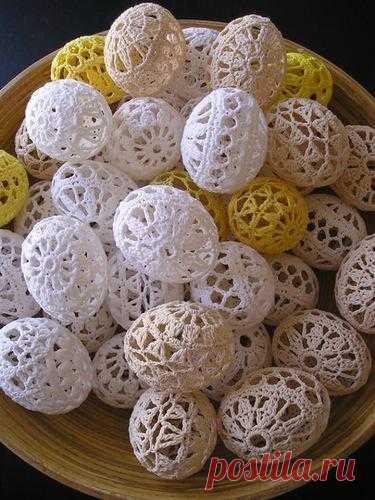 Easter eggs hook