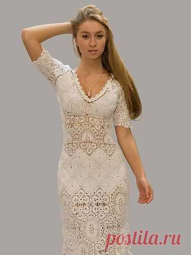 Платье цвета топленого молока.