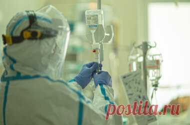 Советы врача: что нужно взять при госпитализации в COVID-больницу Врач из «Краевой больницы им. Е.А. Вагнера» в Березниках Татьяна Харужева рассказала о «тревожном чемоданчике», который стоит взять с собой при госпитализации в COVID-больницу.  Она перечислила, что необходимо заболевшему коронавирусом пациенту в госпитале: Сумка должна быть удобной и вместительной, в ней пакеты распределенные по функционалу: белье, гигиенические принадлежности, аптечка (кто принимает препар...